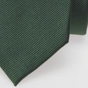 cravate vert foncé