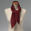 Foulard en soie bordeaux